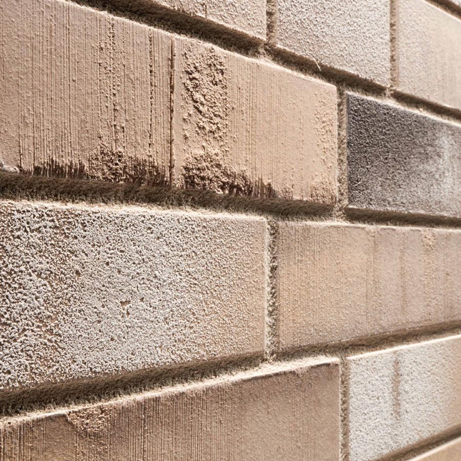 KLAY Tiles Facades - KLAY-Brickslips-KBS-SKO-_0010s_0006_2062-Charred-Beige