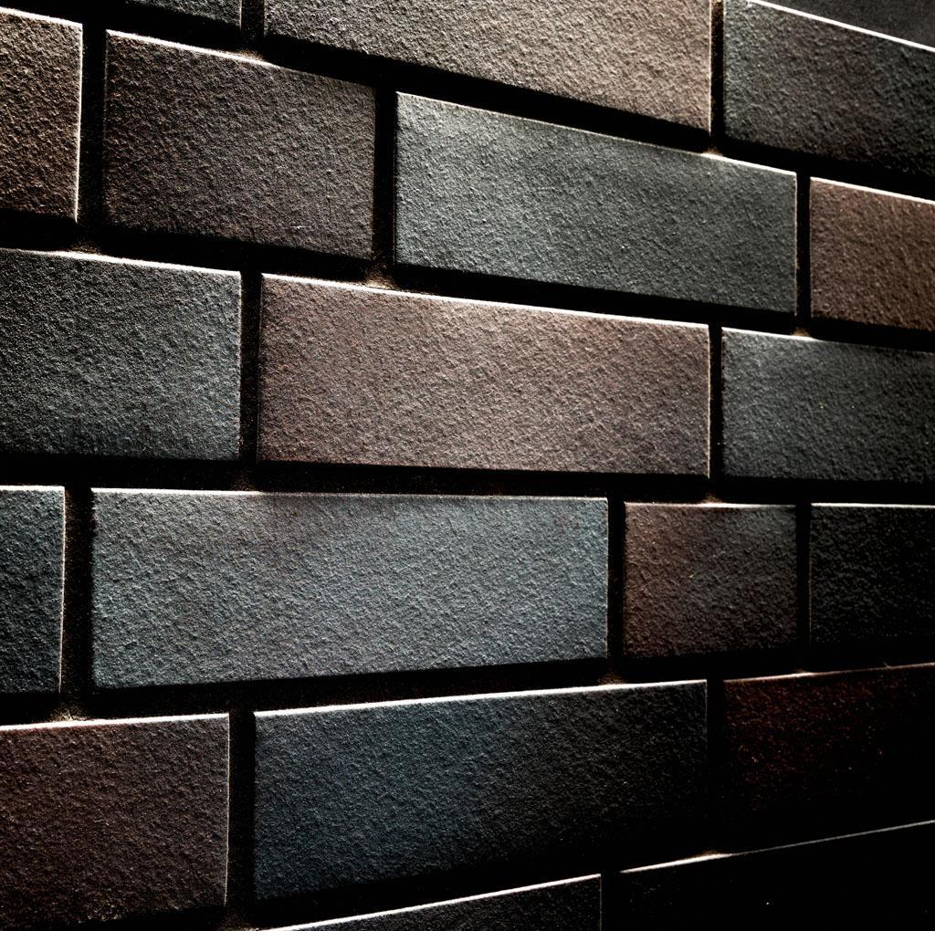 KLAY Tiles Facades - KLAY-Brickslips-KBS-SKV_0007s_0001_2042-Black-Shimmer