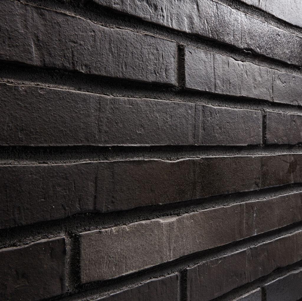 KLAY Tiles Facades - KLAY-Brickslips-KBS-SRI_0002s_0006_2069-Black-Elegance